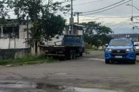 Vítima foi encontrada em terreno baldio na região metropolitana