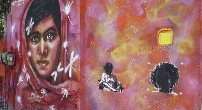 Grafites de Marielle Franco e da ativista Maria da Penha foram vandalizados no último dia 10