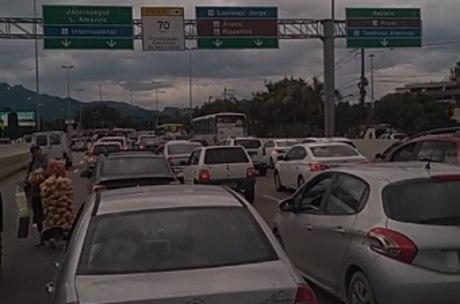 Segundo motoristas, congestionamento chega a 3 km