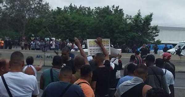RJ: manifestantes protestam morte de moradora vítima de bala perdida