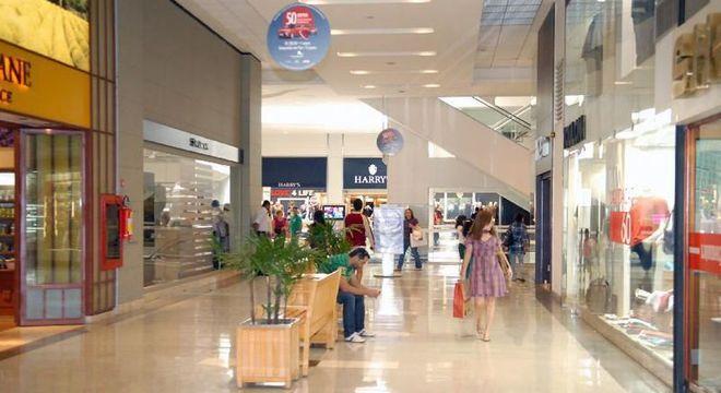 Shoppings devem fechar as portas a partir de segunda-feira (23)
