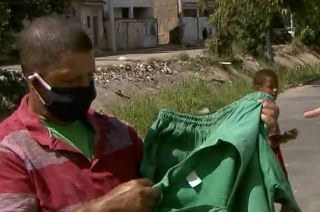 Catador usava uniforme de companhia de limpeza