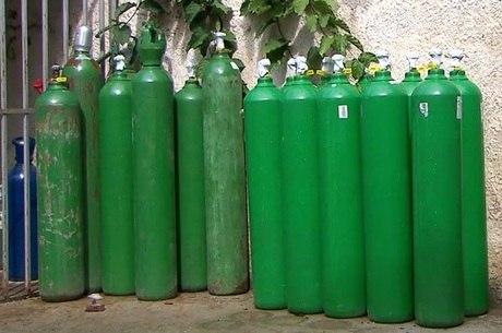 Procura por cilindros de oxigênio dobrou