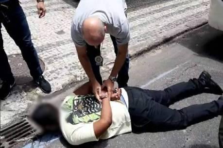 Homem foi detido em ônibus na zona sul do Rio