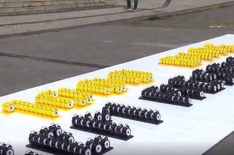 Manifestantes colocaram 1.000 despertadores para tocar