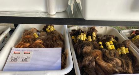 Criminosos diziam que doariam os cabelos recebidos