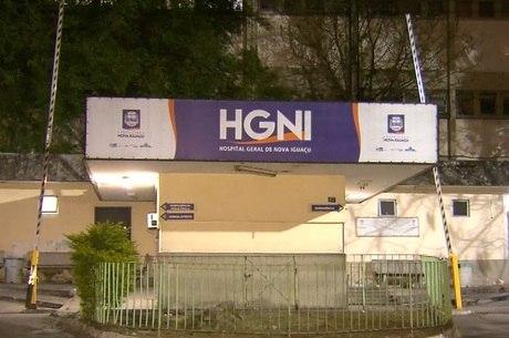 Vítima foi levada até hospital em Nova Iguaçu (RJ)