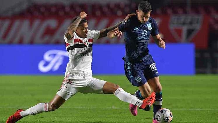 Racing - Sobe: Conseguiram anular as principais peças do São Paulo e a marcação segui forte do início ao fim do jogo. / Desce: Mesmo superior na partida, não viraram o marcador ou sequer criaram muitas chances contra Tiago Volpi