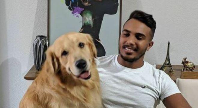 Robson foi agredido enquanto passeava com o cachorro dele