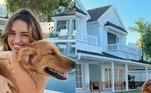 Rafa Kalimann não esconde de ninguém a felicidade com a casa nova. A influenciadora digital, que acumula mais de 20 milhões de seguidores no Instagram, estreou a mansão, no Rio de Janeiro, na quarta-feira (3), e mostrou tudo nas redes sociais. Confira imagens do imóvel luxuoso da famosa!