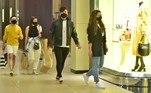Ainfluencer e o músico foram vistos e fotografados enquanto visitavam algumas lojas e faziam compras pelo local