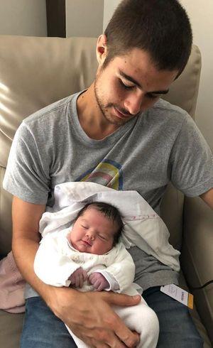 Rafa postou duas fotos da bebê