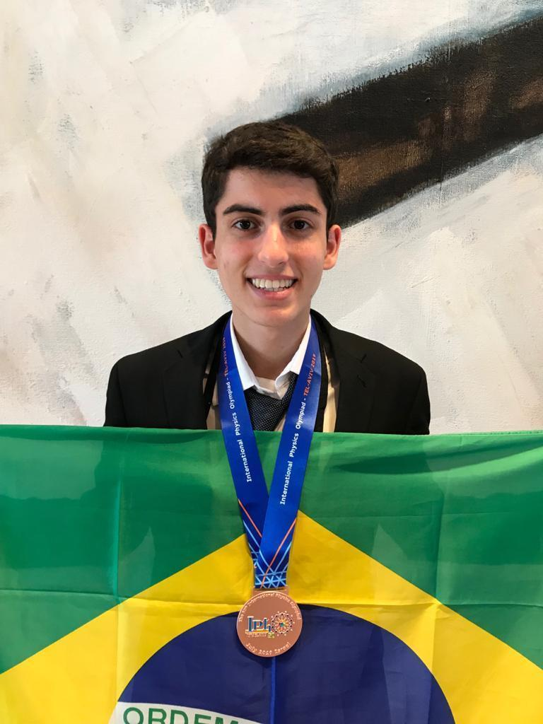 Rafael ganhou medalha de bronze na International Physics Olympiad (IPhO), em Israel