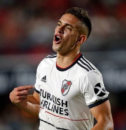Rafael Borré – O atacante colombiano de 25 anos é jogador do River Plate (ARG). Recentemente, foi sondado por Grêmio, Palmeiras e São Paulo. Seu contrato com a equipe atual se encerra em junho de 2021. Seu valor de mercado é estimado em 15 milhões de euros, segundo o site Transfermarkt