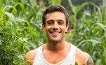 Rafael Cardoso não esconde o quanto tem aprendido no período em que trabalha no cultivo de alimentos.
