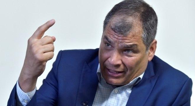 Participação de Rafael Correa ainda depende de resultado de julgamento
