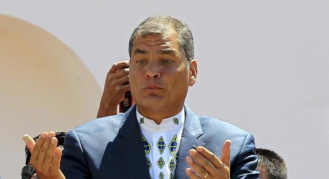 Rafael Correa, ex-presidente do Equador, foi considerado culpado de corrupção