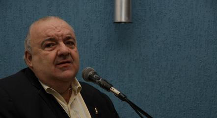 Na imagem, prefeito Rafael Greca (Curitiba)