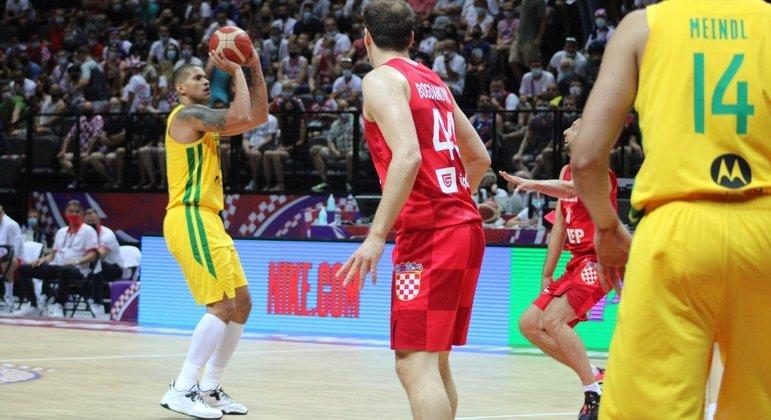Rafael Hettsheimer foi a novidade do Brasil contra a Croácia, em Split, na casa do adversário