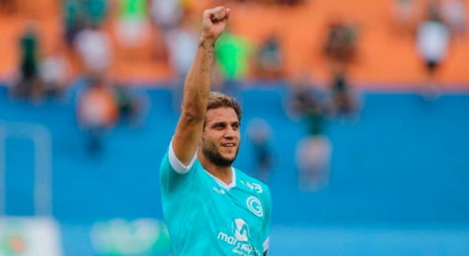 atacante defendeu Goiás após testar positivo para covid-19