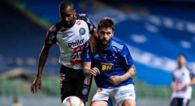 Rafael Sobis marcou outro belo gol e ajudou a tirar de vez o perigo de rebaixamento à Série C