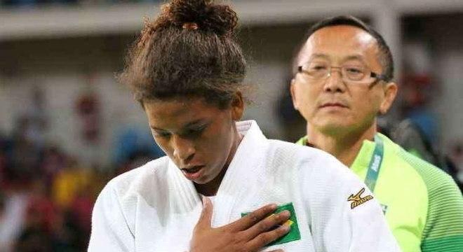Rafaela Silva entrou com pedido na Justiça para voltar a lutar