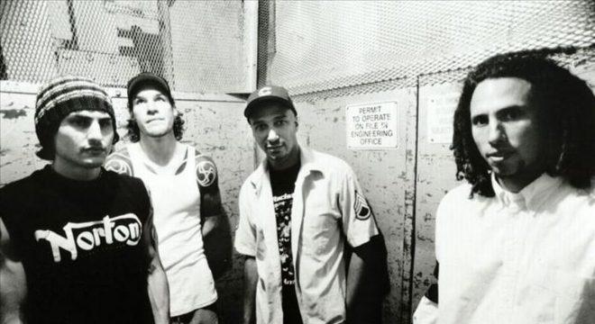 Rage Against The Machine (Tom Morello, Zack de la Rocha)(Tom Morello)