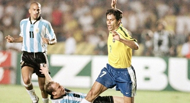 c428bf5ac0 Brasil viaja sem se apresentar diante de sua torcida antes da Copa ...