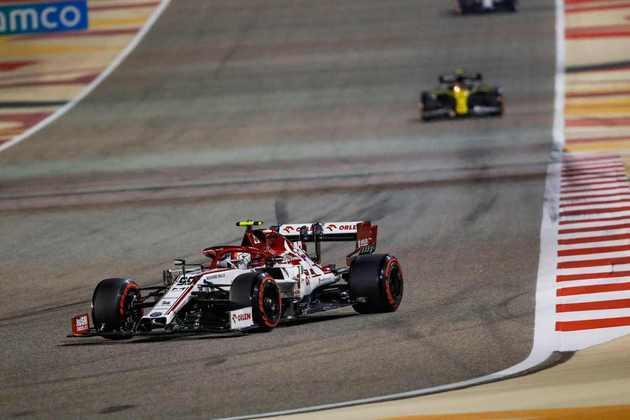Räikkönen completou atrás do companheiro de equipe.