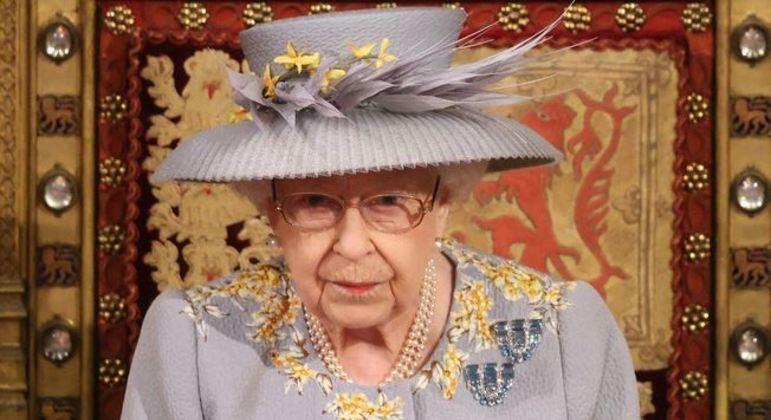 Rainha Elizabeth II elogiou resiliência e determinação das comunidades após atentados de 11/9