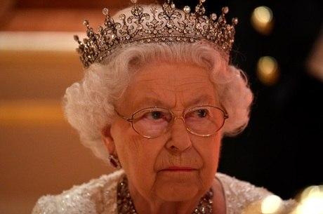 Rainha fez 92 anos no dia 21/4. Quem irá sucedê-la?