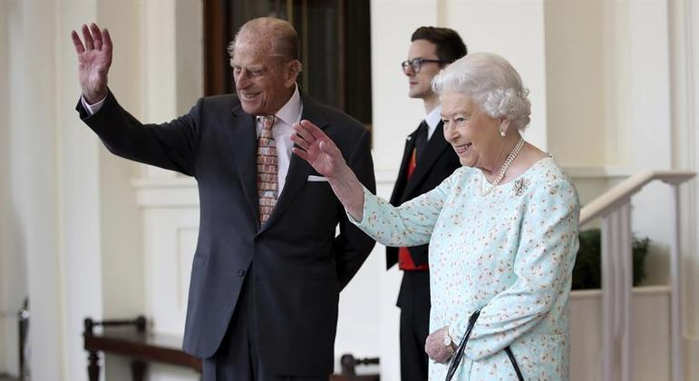 A Rainha Elizabeth II, 94 anos, e seu marido, o Príncipe Philip, 99 anos