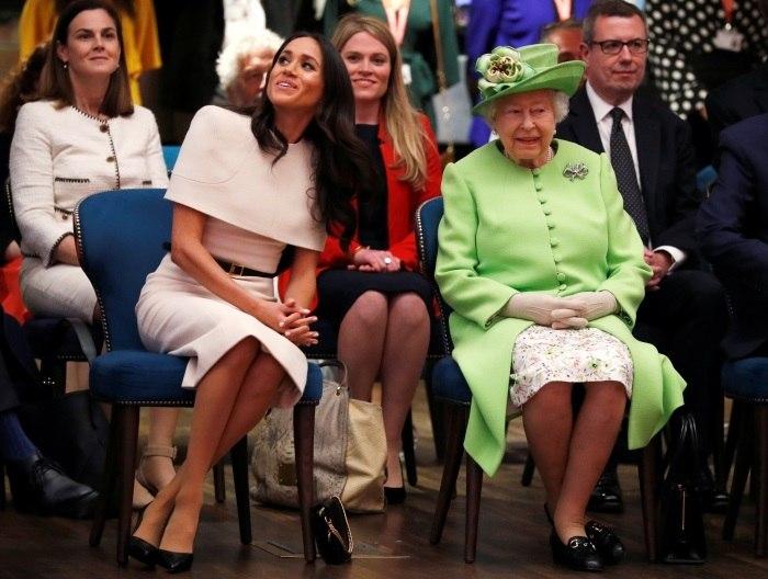 Rainha Elizabeth e Meghan fazem primeira viagem real juntas