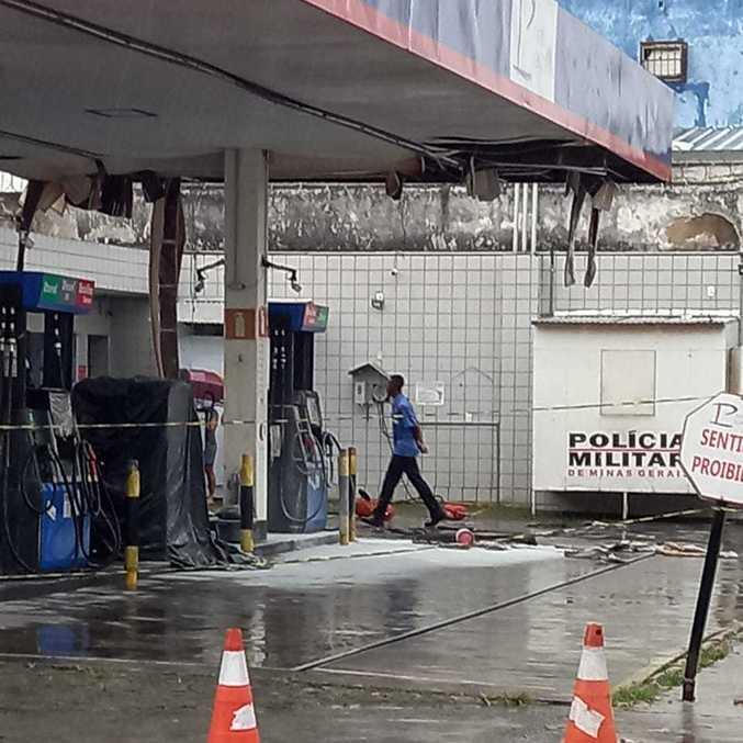 Raio atingiu transformador e por pouco posto de combustível não explodiu em BH