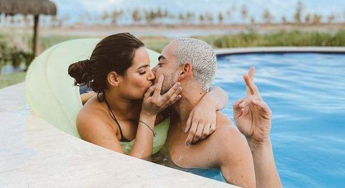 Romance do casal está firme e forte fora de 'A Fazenda 12'