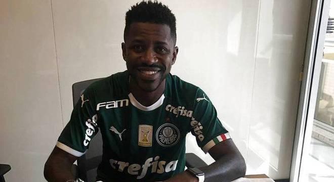 Ramires fecha por quatro anos. Palmeiras deixou Flamengo e Cruzeiro atrás.