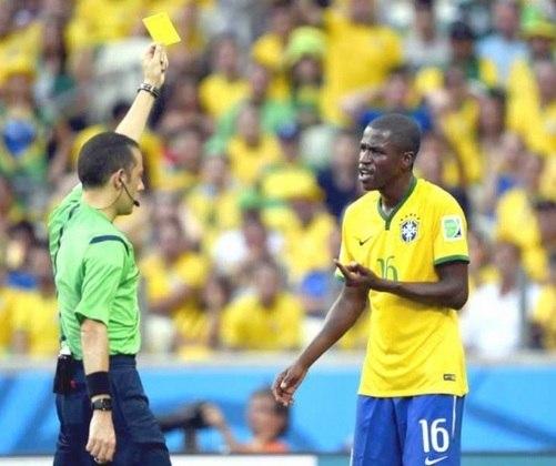 Ramires, que rescindiu com o Palmeiras em novembro de 2020 e está sem clube desde então, disputou as Copas de 2010 e 2014 com a Seleção Brasileira.