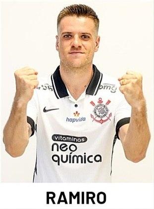 Ramiro - 3 jogos como titular com Sylvinho (já deixou o clube)