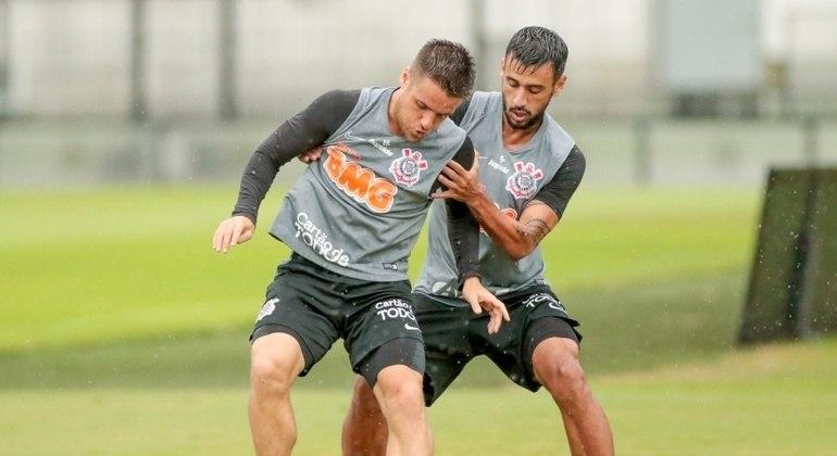 Ramiro e Camacho. Jogadores que não conseguem ser firmar como titulares