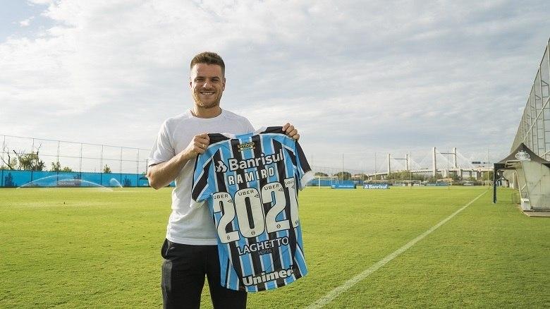 Grêmio anuncia renovação contratual de Ramiro até 2021 - Esportes - R7  Futebol 613c0053b8dd5