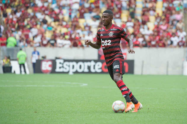 Ramon - Flamengo - Lateral-esquerdo - 19 anos - Observado pelo Real Valladolid, o ala rubro-negro teve destacada sua capacidade em acertar cruzamentos e o protagonismo em bolas paradas
