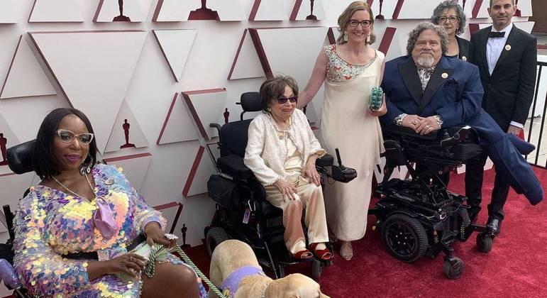 Elenco de documentário que concorreu a premiação no Oscar deste ano