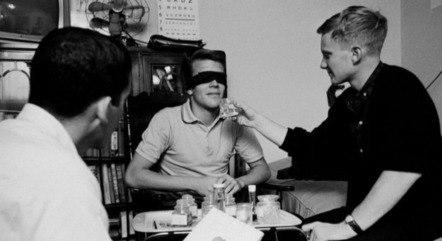 Randy Gardner durante o experimento para bater o recorde de mais tempo acordado