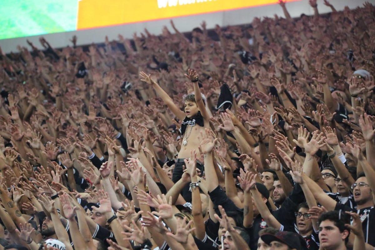 2º - Corinthians: 20.702.001Corinthians encara Flamengo em busca de semana mais tranquila