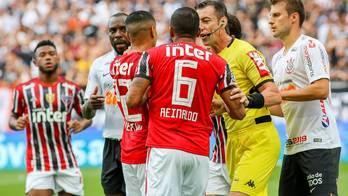 __Após reclamações, VAR passa despercebido na final do Paulista__ (Jales Valquer/Estadão Conteúdo - 21.4.2019)