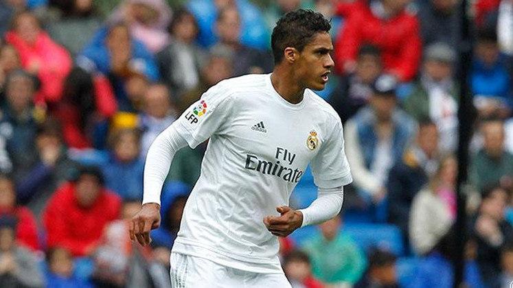 Raphaël Varane - 28 anos - Zagueiro - Clube: Real Madrid - Contrato até: 30/06/2022