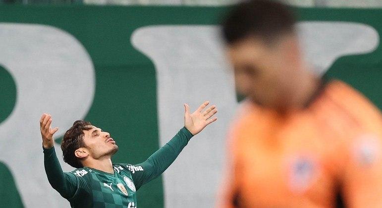Raphael Veiga foi eleito o melhor em campo na vitória do Palmeiras