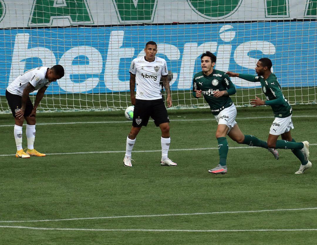 Raphael Veiga começou a goleada. Vitória para assustar Sampaoli e Abel Ferreira