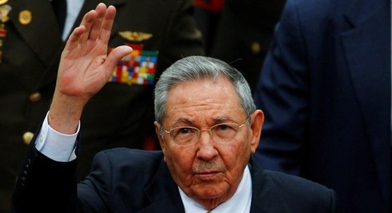 Raúl Castro deve se aposentar, mas família continuará no porder