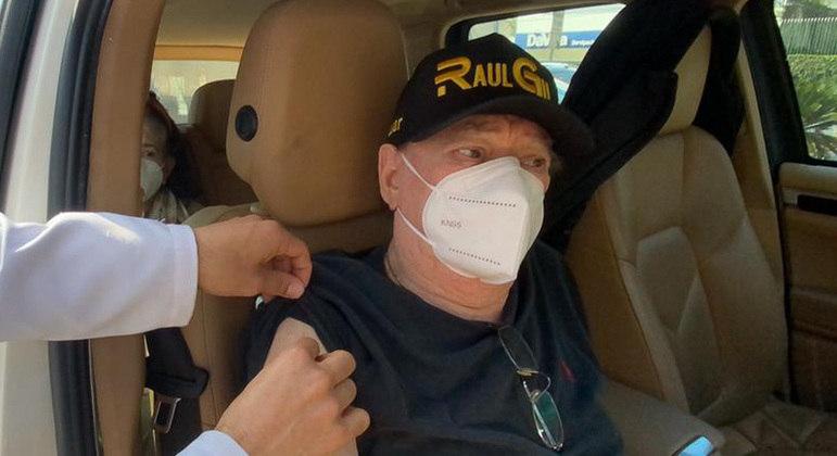 Apresentador foi imunizado em uma UBS (Unidade Básica de Saúde)  de São Paulo